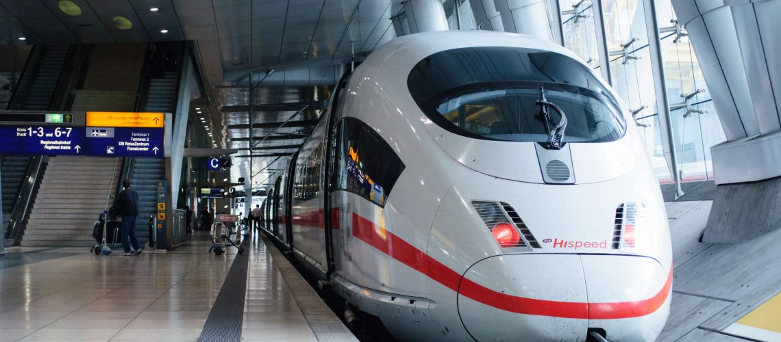 51661940 - frankfurt, germany - sep 14, 2009: ice 3 hispeed train or intercity-express 3 in frankfurt airport train station. ice 3 is a family of high-speed emu trains operated by deutsche bahn.